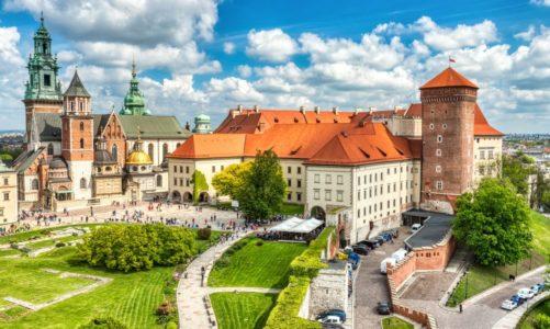 Polacy deklarują, że cenią zabytki.  Jednak ponad 60 proc. nie wie, jak reagować, kiedy widzi przestępstwo przeciwko nim
